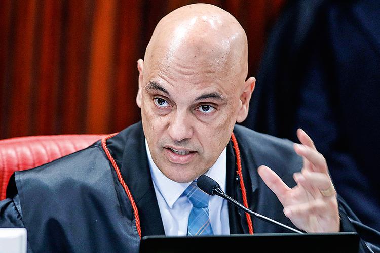 Futuro presidente do TSE, Moraes detona o voto impresso