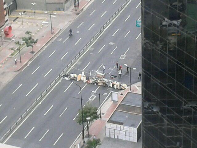 #NoHayPaso na Avenida Francisco de Miranda, uma das mais importantes de Caracas