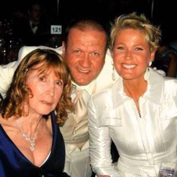 Xuxa com sua mãe, Alda, e seu irmão, Blad
