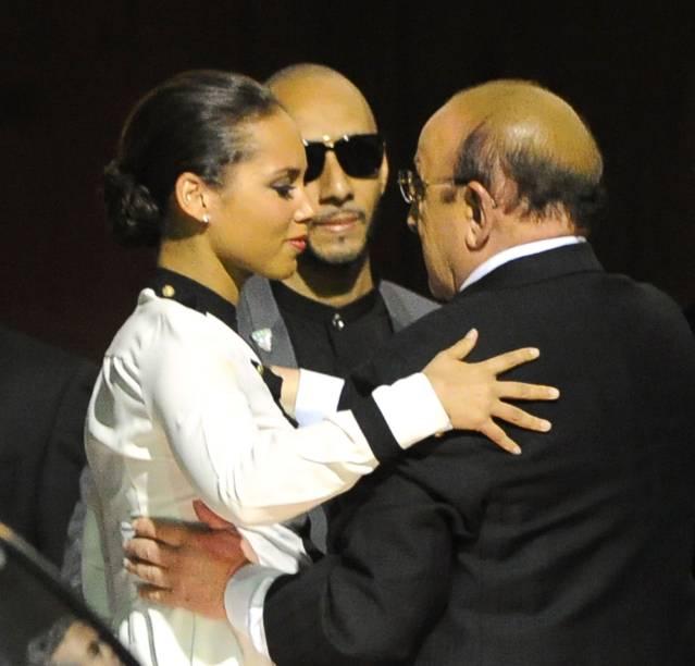 Alicia Keys e o marido Swizz Beats choram a morte de Whitney Houston