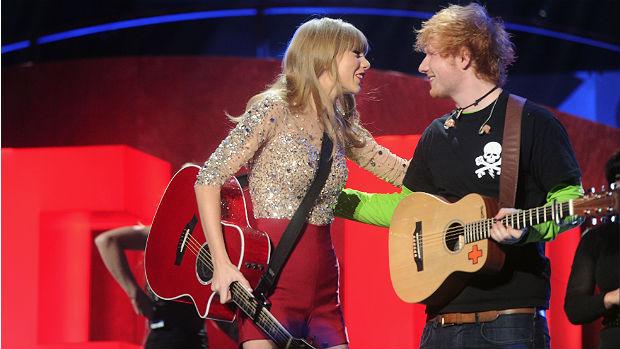 Taylor Swift e Ed Sheeran durante show dela no Madison Square Garden, em Nova York