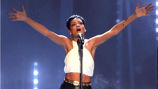 A cantora Rihanna, que lança o seu sétimo disco, <em>Unapologetic</em>