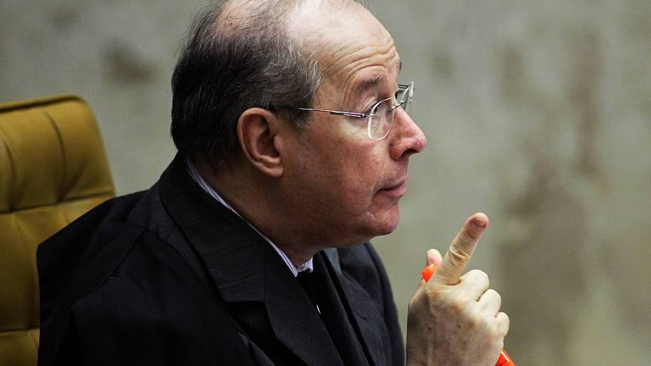 Ministro Celso de Mello durante o julgamento do mensalão, em 28/11/2012