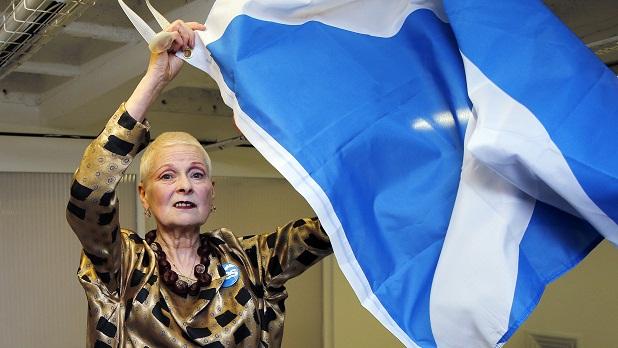 """A estilista Vivienne Westwood declarou durante a London Fashion Week que está com o """"sim"""" e que apoia a independência da Escócia<br>"""