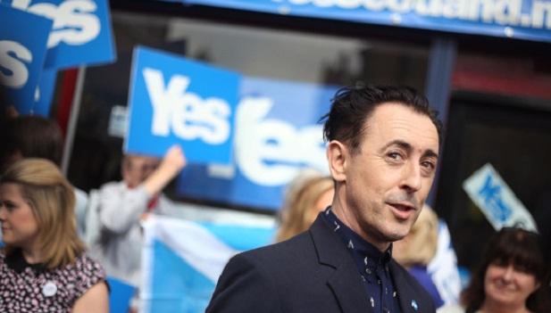 """Alan Cumming, ator da série de TV The Good Wife, é um partidário do """"sim"""". """"A Escócia que vive dento de mim vai entrar em erupção com uma vitória do """"sim"""", que eu realmente espero que aconteça."""""""