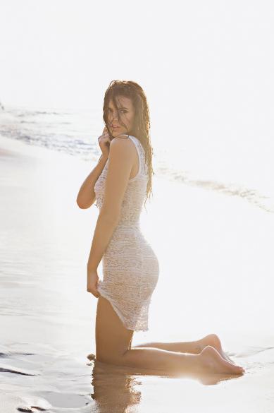 A atriz Bruna Marquezine em foto da edição de novembro de 2014 da revista VIP, em que figura como a mulher mais sexy do mundo