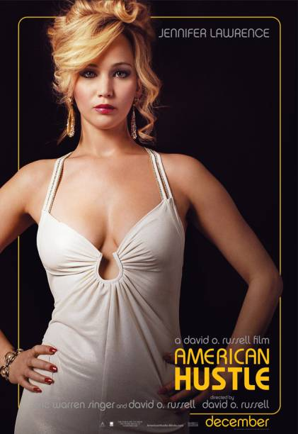 A atriz Jennifer Lawrence em cartaz do filme The American Hustle