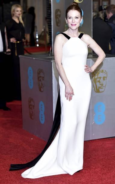 A atriz Julianne Moore no Bafta 2016