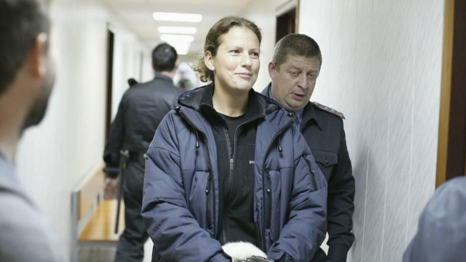A bióloga brasileira Ana Paula Maciel foi presa durante um protesto do Greenpeace na Rússia