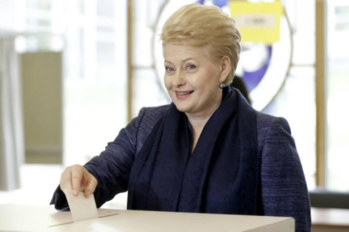 a-presidente-da-lituania-dalia-grybauskaite-vota-nas-eleicoes-presidenciais-original.jpeg