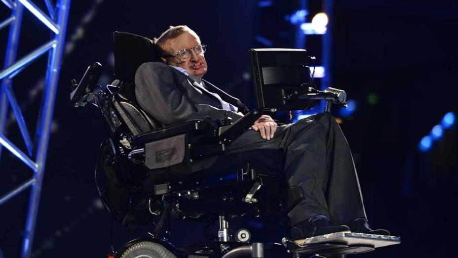 O britânico Stephen Hawking durante cerimônia de abertura da Paralimpíada em Londres