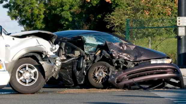 acidente-carro-20120210-original.jpeg