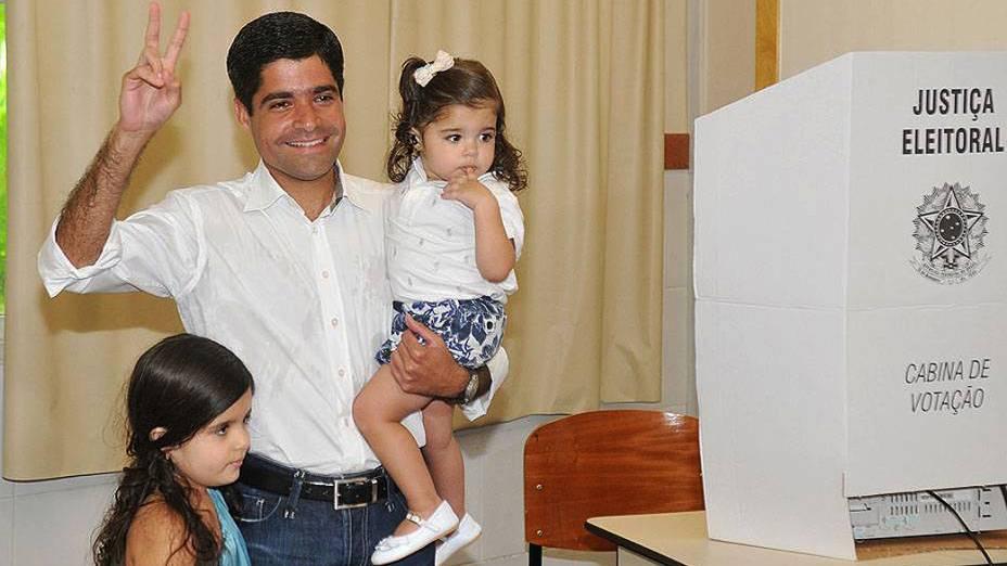 O candidato do DEM à Prefeitura de Salvador, ACM Neto, votou na Faculdade de Administração da UFBA (Universidade Federal da Bahia), no bairro do Vale do Canela, na capital baiana