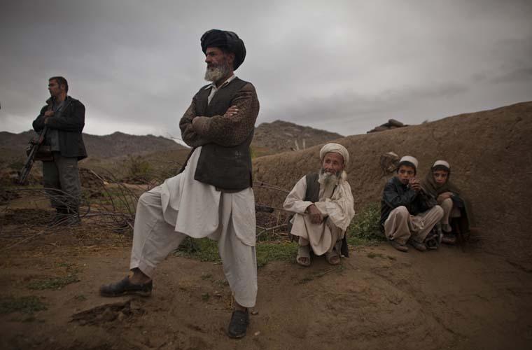 Homens afegãos.