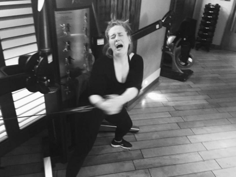 Adele: sofrimento no amor e na academia