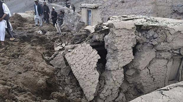Destruição no distrito de Argo, na província de Badakhshan, no Afeganistão, atingida por um deslizamento que deixou centenas de mortos ou desaparecidos