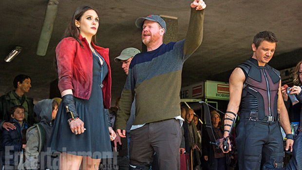 A atriz Elizabeth Olsen, o diretor Joss Whedon e o ator Jeremy Renner