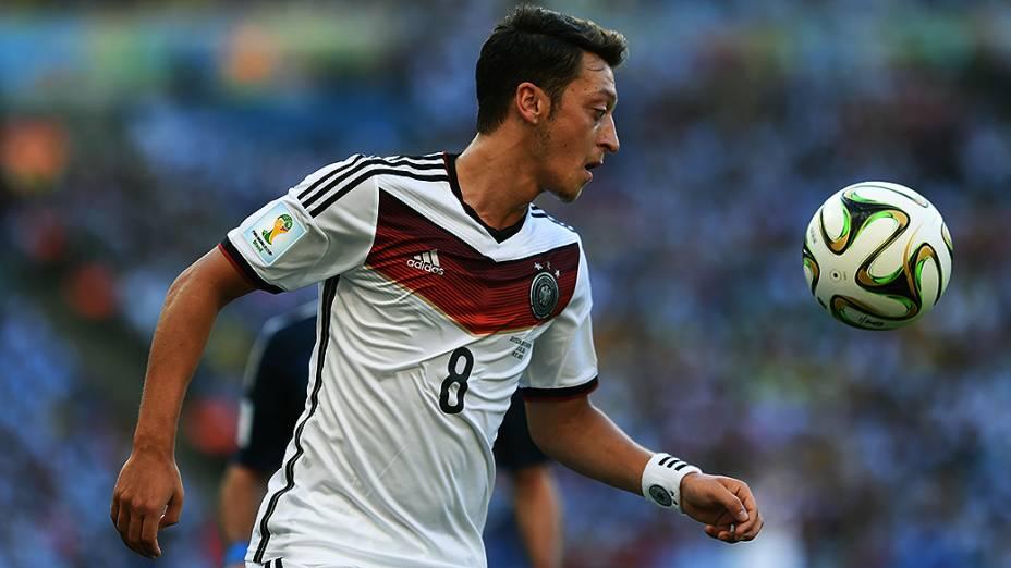O alemão Özil durante o jogo contra a Argentina na final da Copa no Maracanã, no Rio