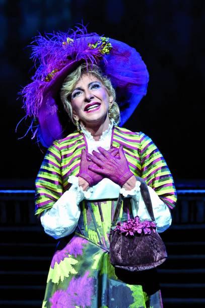 Marília Pêra na peça Alô, Dolly (2012)