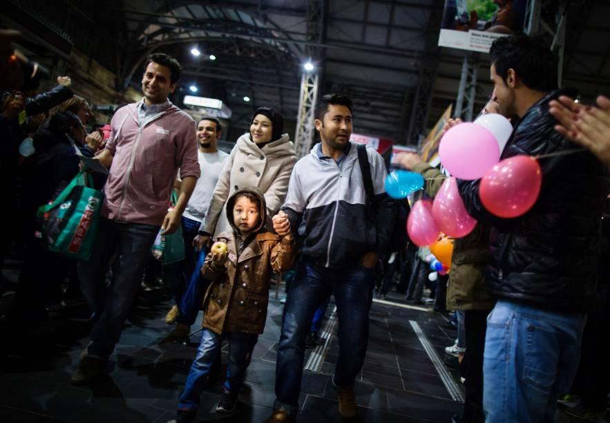 Refugiados chegam à estação de trem de Frankfurt, na Alemanha 06/09/2015