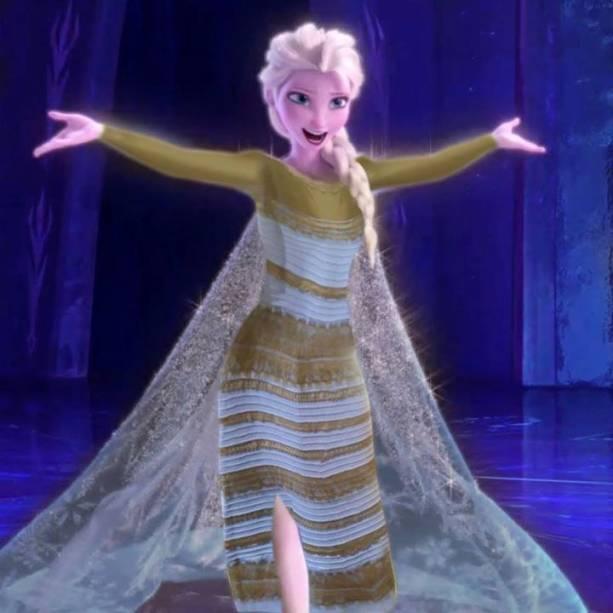 <p>O vestido azul de Elsa foi substituído pela versão branca e dourada </p>