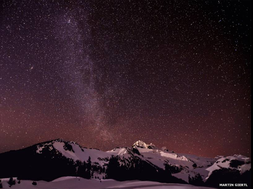 <p>Via Láctea, em foto feita por Martin Giertl, em Elfin Lakes, no Canadá</p>