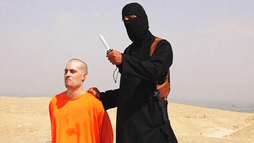 Vídeo divulgado pelo Estado Islâmico (EI) mostra terrorista decapitando o jornalista americano James Foley