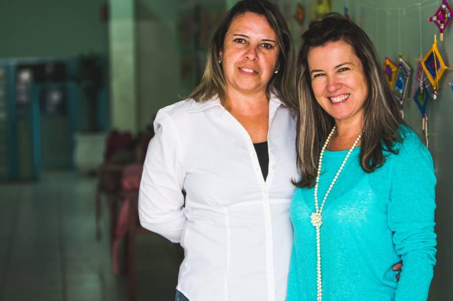 Josemi Coelho Martins da Silva, diretora da escola Abel Maria Torres na Rede Municipal, em Vinhedo, com a vice-diretora Mariana Ventura Paes.