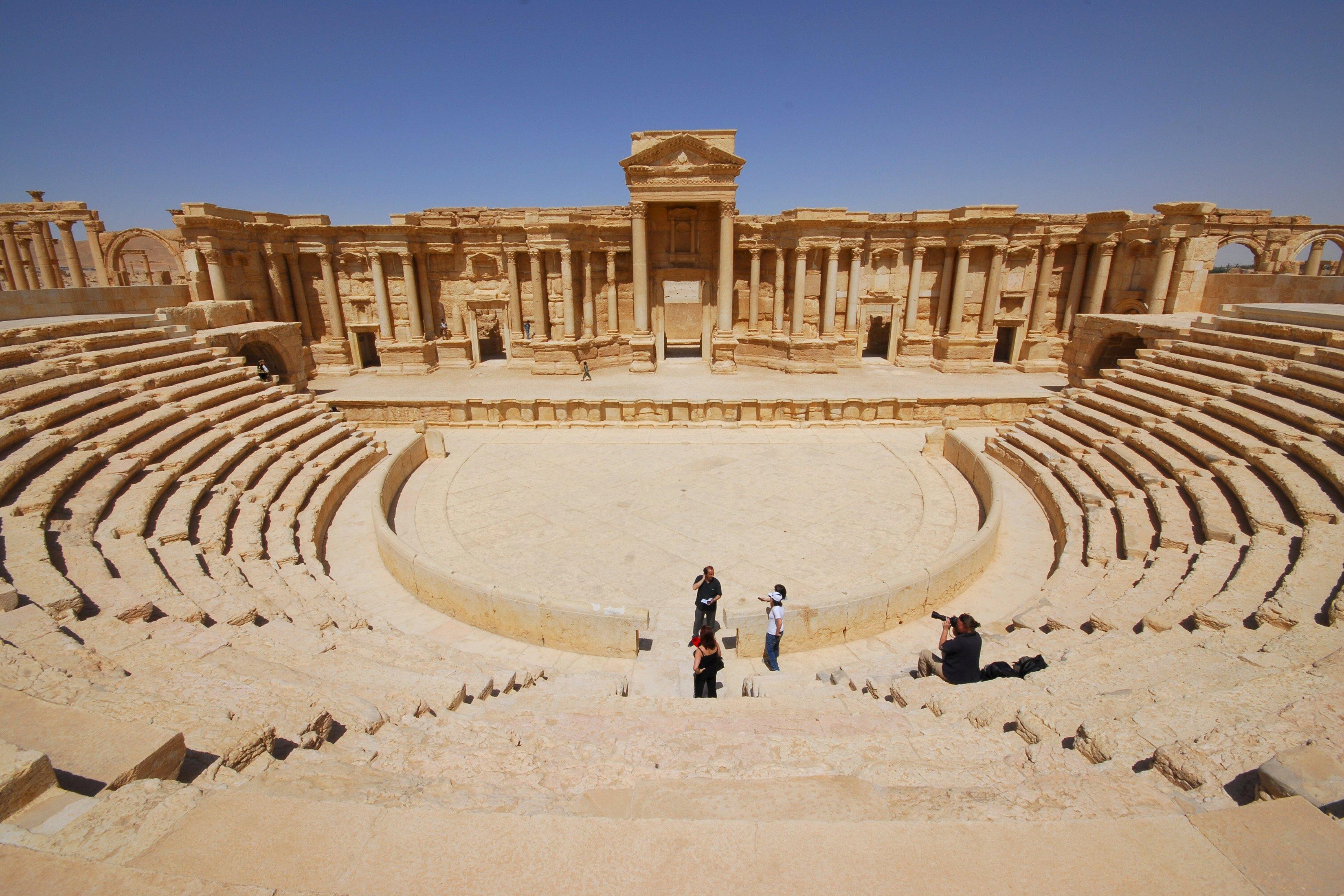 Ruínas de um teatro romano na cidade de Palmira, na Síria