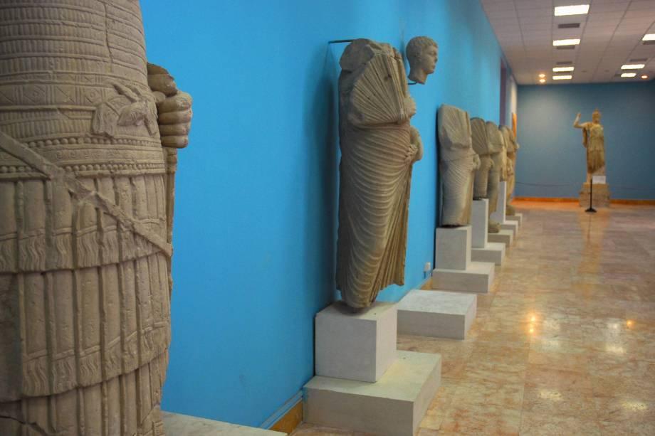 <p>Estátuas em museu de Palmira, na Síria</p>