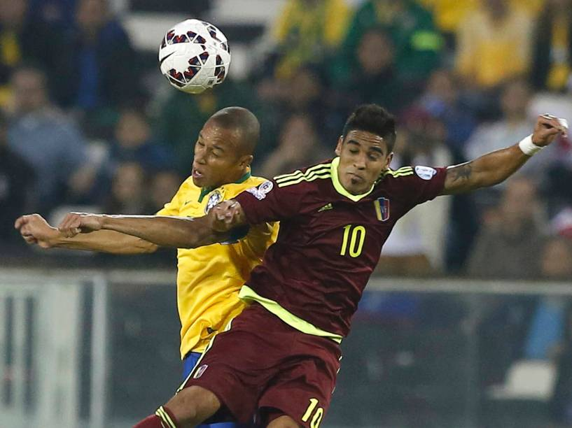 Partida entre Brasil e Venezuela, válida pela terceira rodada da primeira fase do grupo C da Copa América 2015, realizada no Estádio Monumental David Arellano