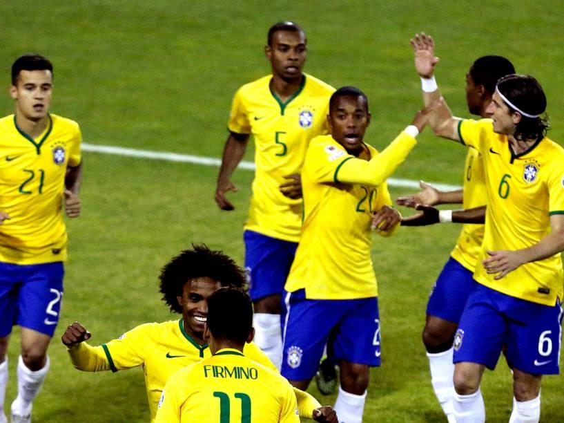 Partida entre Brasil e Venezuela, válida pela última rodada do Grupo C da Copa América de Futebol 2015, realizada no estádio Monumental David Arellano, na cidade de Santiago, no Chile, neste domingo (21)