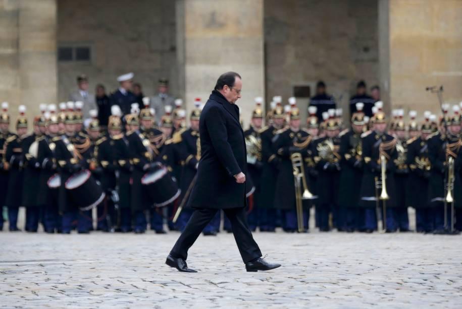 O presidente francês, François Hollande, em cerimônia que homenageou as 130 vítimas dos ataques terroristas em Paris