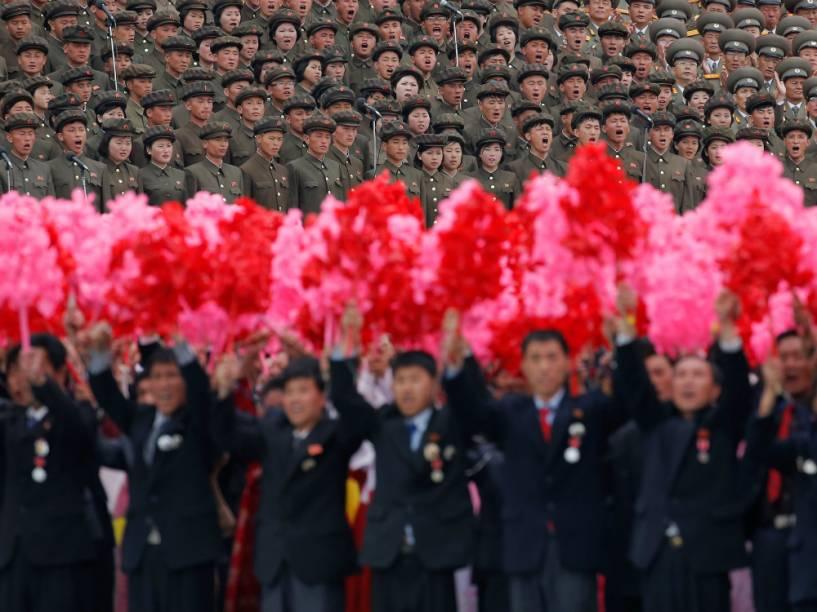 Desfile que celebra o último dia do congresso do Partido dos Trabalhadores da Coreia do Norte, o primeiro em 36 anos