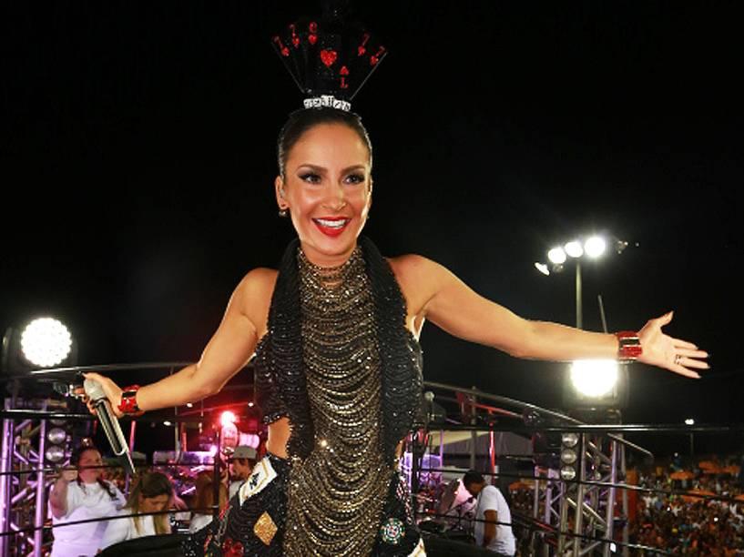 A cantora Claudia Leitte no trio no circuito Barra Ondina em Salvador