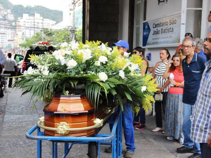 Enterro da atriz Marília Pera no cemitério São João Batista, em Botafogo, Zona Sul do Rio de Janeiro
