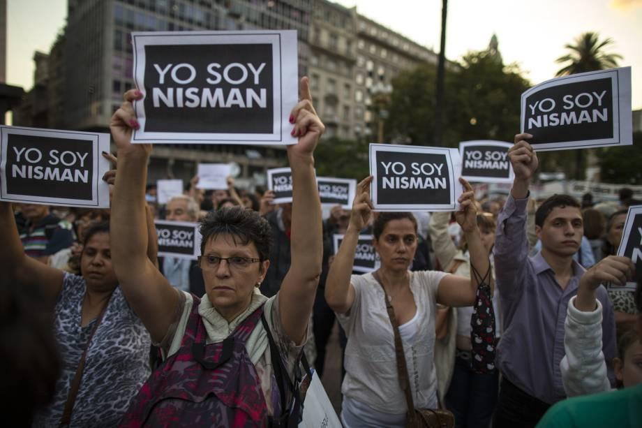 Manifestantes fazem ato em Buenos Aires após morte do promotor Alberto Nisman