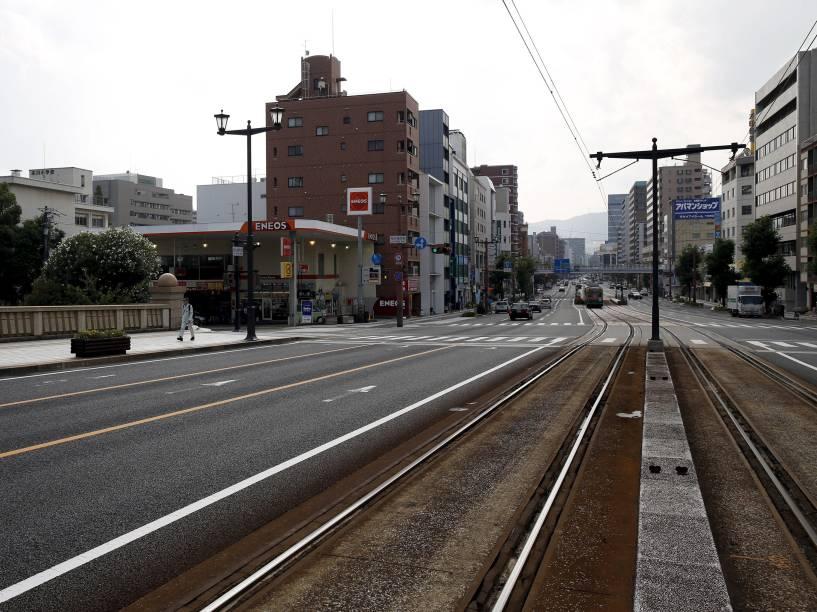 Linha ferroviária vista da ponte Aioi, em Hiroshima. A cidade se prepara para o aniversário de 70 anos do primeiro ataque nuclear do mundo, que devastou o local no dia 6 de agosto