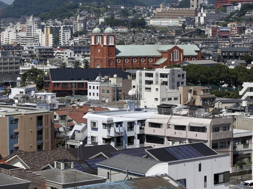 A catedral Urakami, que havia sido destruída pela bomba e foi reconstruída em 1959, é vista em Nagasaki, sudoeste do Japão. A bomba que atingiu Nagasaki foi lançada três dias após o ataque a Hiroshima