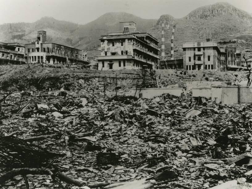 Imagem da Faculdade Médica de Nagasaki após a explosão da bomba atômica que atingiu a cidade, no sudoeste do Japão, no dia 9 de agosto de 1945