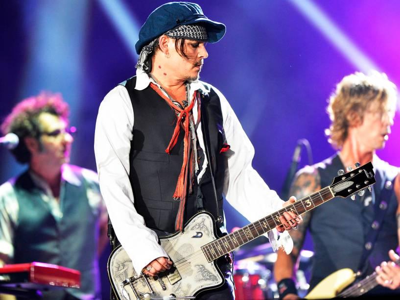 Johnny Depp e a banda Hollywood Vampires durante o quarto dia de shows do Rock In Rio, na Cidade do Rock, zona oeste do Rio de Janeiro, nesta quinta-feira (24)<br><br>