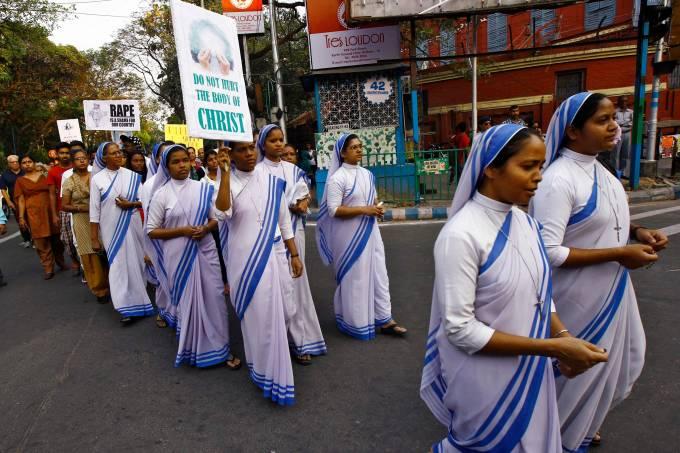 alx__protestos_contra_estupro_de_freira_na_india_original.jpeg