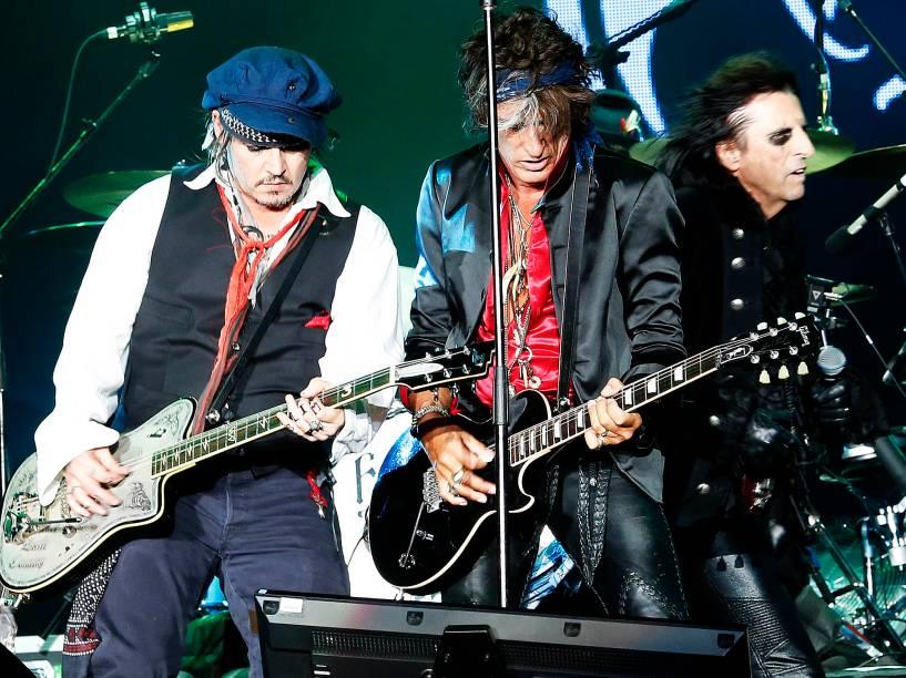 Johnny Depp e a banda Hollywood Vampires durante o quarto dia de shows do Rock In Rio, na Cidade do Rock, zona oeste do Rio de Janeiro, nesta quinta-feira (24)