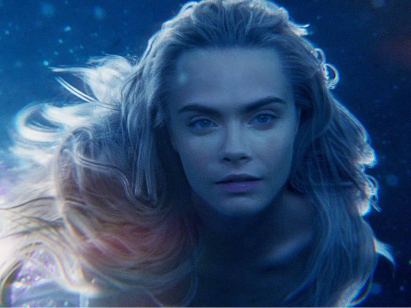 Cara Delevingne como sereia no  filme Peter Pan