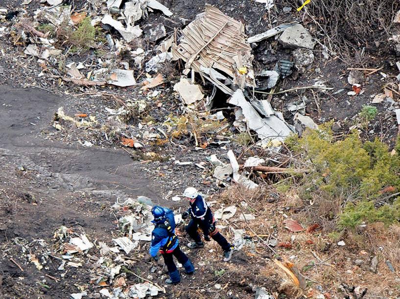 <p>Investigadores franceses acham destroços do Airbus A320 </p>