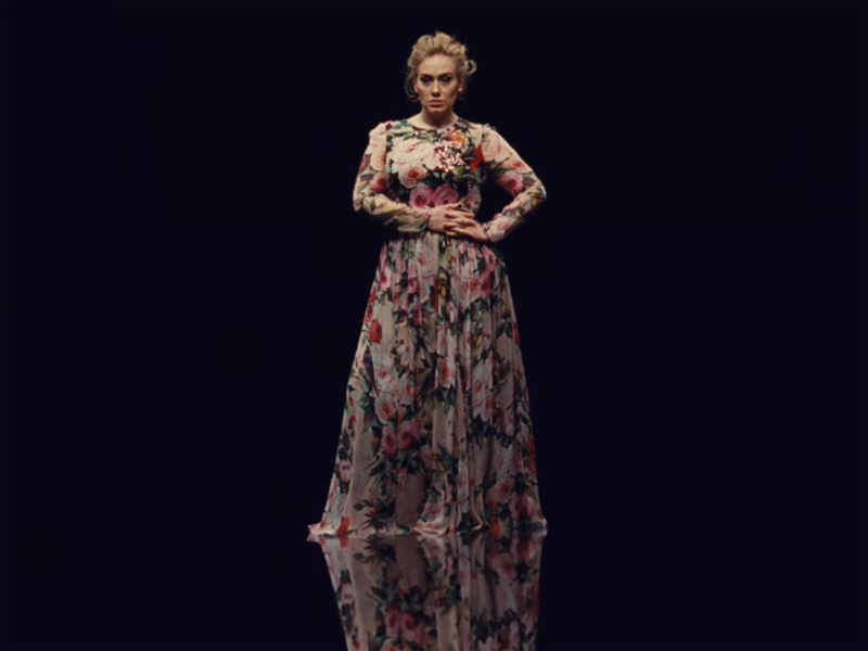 Adele no clipe de Send My Love (To Your New Lover)