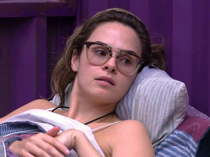 Ana Paula, do BBB16, falou sobre a TV Record ao vivo na Globo