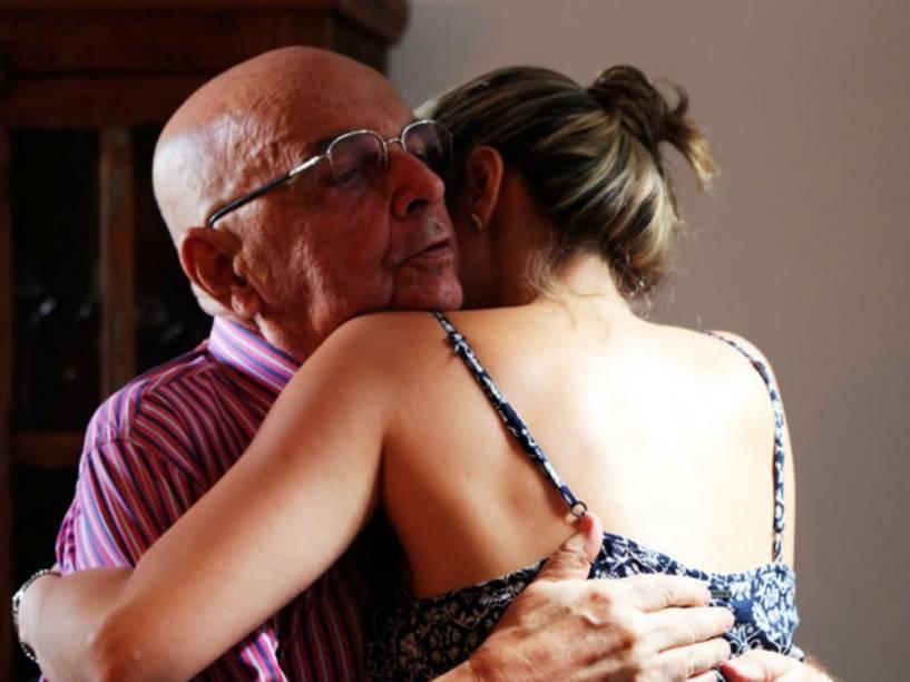 Ana Paula, participante do BBB16, com o pai