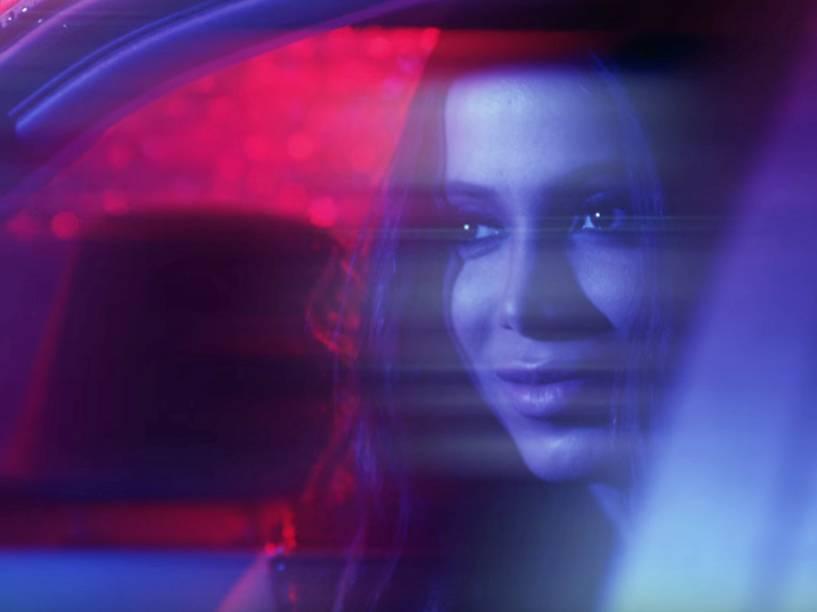 Anitta no clipe de Cravo e Canela