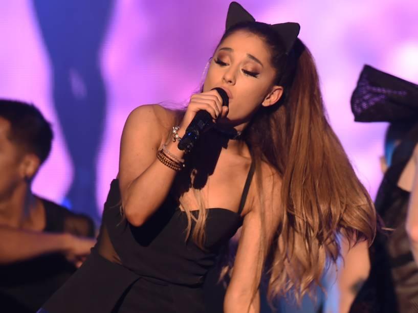 Ariana Grande, a 52ª mulher mais sexy do mundo em 2015, segundo leitores da VIP